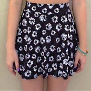 Divided daisy high waisted skirt